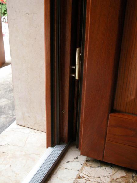 Portoni d ingresso g tabarini - Soglie per finestre ...