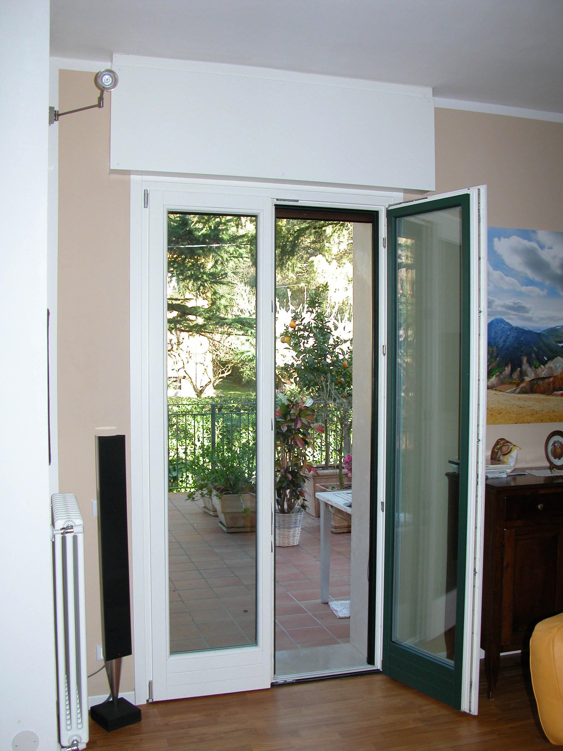 Pf2 porta finestra a due ante in legno alluminio g tabarini for Altezza porta finestra