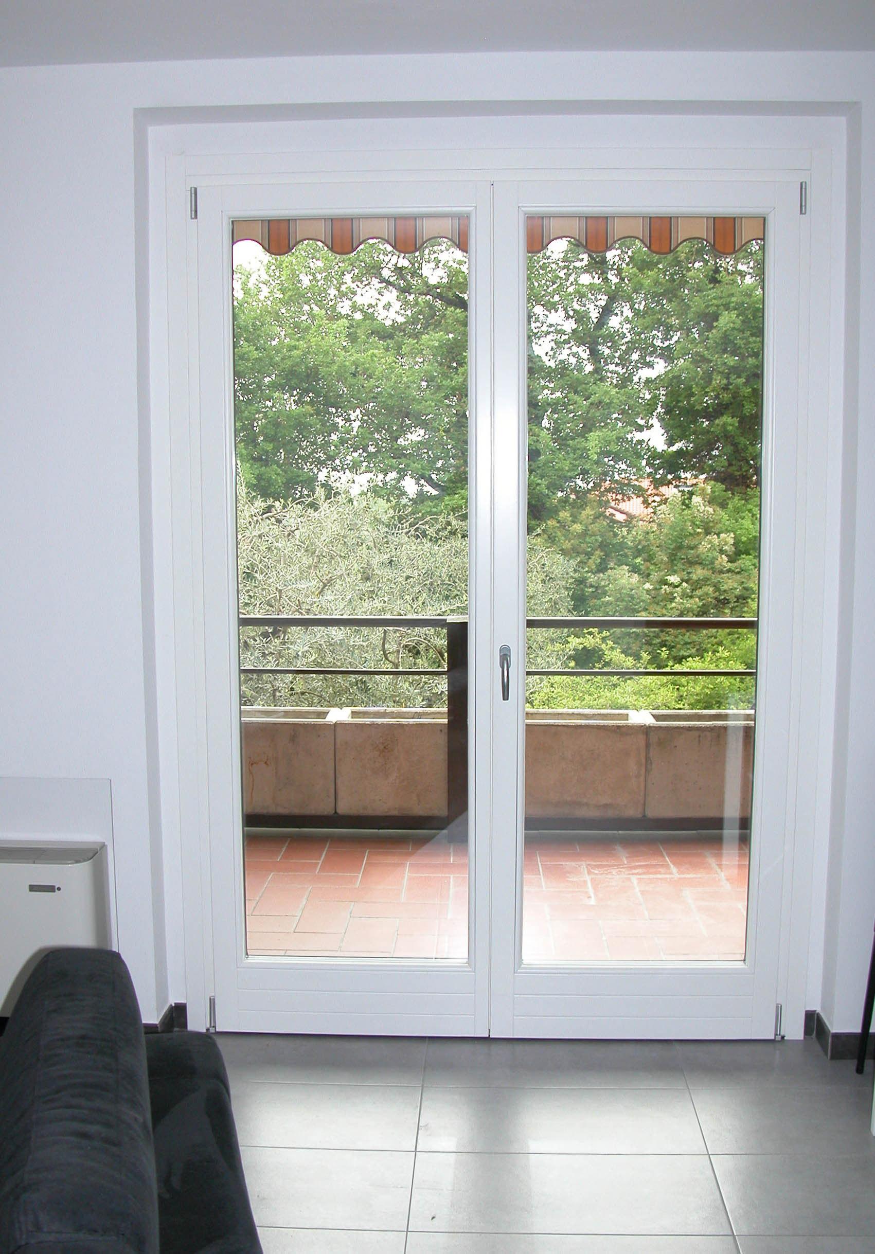 Pf2 porta finestra in legno alluminio a due ante g tabarini - Finestre di legno prezzi ...